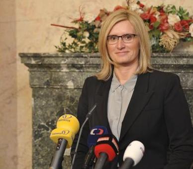 Karla Šlechtová chce větší kontrolu veřejných zakázek Foto: vlada.cz